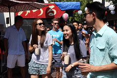 Chinese in the Japanese Village, Los Angeles (vtpoly) Tags: 2016 niseiweek festival japanesevillage littletokyo chineseinvasion culture polywoda losangeles california people smiles street