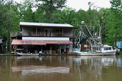 Slidell - Swamp Fisherman's House (Drriss & Marrionn) Tags: neworleans neworleansla neworleanscitytrip outdoor swamp river boattrip oldpearlriver slidell vehicle boat architecture building riverside buildings