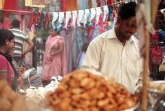 [market] (tyronerodovalho1) Tags: india indian new dehli culture market travel life