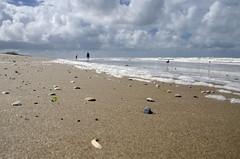So much Beach (Stonebridge65) Tags: strand schelpen lucht wolken zee beach seashells sky clouds sea kust coast julianadorp noordholland nederland holland netherlands europe nikon d5100 tamron