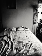 El lecho matrimonial (x_neny13) Tags: bw blackandwhite cama bed lights shadows