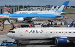 Amsterdam Schipol Busy Ramp ( Adam_Ryan ) Tags: ams eham amsterdam schipol busy delta boeing airbus klm chinasouthern b767 b777 a380 2016 august