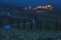 Podere Baccoleno in Blu (MicheleRossettiClickalps) Tags: tuscany toscana italy cretesenesi landscape bluehour unescoworldherritagesite clickalps road roads discoveritaly travel traveldestination landmark