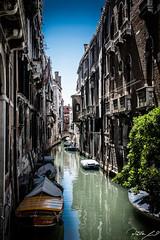 2016-08-11_Venedig - Venice - gritty version_IMG_7992 (dieter_weinelt) Tags: bluesky brcken dieter fiona gondeln kanal kanle melanie sommer2016 sonnenschein touristen venedig venice victoria blauerhimmel boats boote bridges canals gondolas summer2016 sunshine tourists