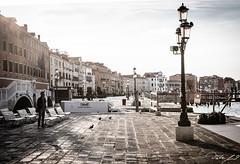 2016-08-12_Venedig - Venice - gritty version_IMG_8087 (dieter_weinelt) Tags: bluesky brcken dieter fiona gondeln kanal kanle melanie morgenstimmung sommer2016 sonnenschein tauben touristen venedig venice victoria blauerhimmel boats boote bridges canals doves empty erarlymorning fastleer gondolas morgens nearlyempty notourists onlyworkers summer2016 sunshine tourists