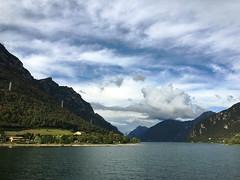 (Paolo Cozzarizza) Tags: italia lombardia brescia idro acqua lago lungolago panorama cielo
