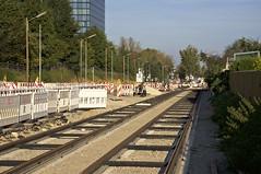 Seit der Fertigstellung des Gleiskrpers konzentrieren sich im Verlauf der Truderinger Strae die Arbeiten auf die Erneuerung der Strae (Frederik Buchleitner) Tags: baustelle bergamlaim haidhausen linie25 mvg munich mnchen neubaustrecke steinhausen strasenbahn streetcar tram trambahn