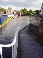 View towards Telford's Warehouse, Chester (DizDiz) Tags: uk england cheshire telfordswarehouse olympusc720uz countytown