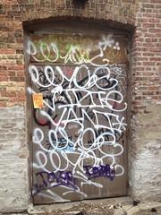Weezy (BRAYD33) Tags: chicago graffiti yani mole d30 amuse weezy vizie wyse