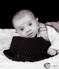 Adrien - Steve.© - (Steve-©-foto) Tags: portrait canon studio chapeau naissance bébé adrien garcon sissonne stevecfoto