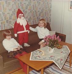Ydrehammar 1967 Sweden (Ankar60) Tags: santa christmas old wallpaper girl kids barn vintage children table carpet photo kid 60s child sweden interior swedish scanned 1967 sverig