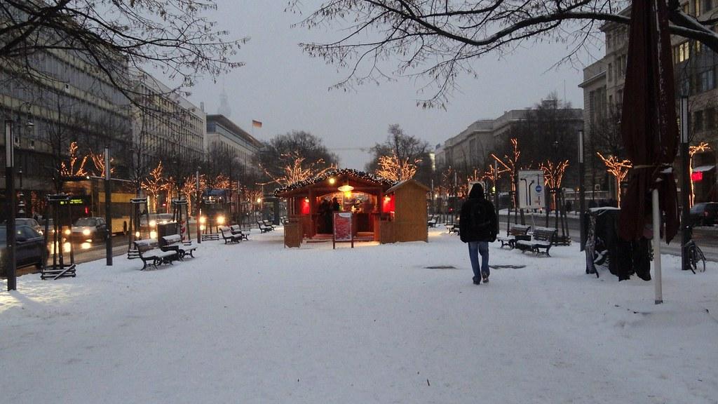 Unter Den Linden Weihnachtsbeleuchtung.The World S Best Photos Of Zollernhof Flickr Hive Mind