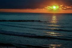 Cdiz (raperol) Tags: 2007 300d airelibre cdiz diciembre mar playa puestadesol agua