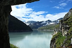 lac des Dix (bulbocode909) Tags: valais suisse dixence lacdesdix lacs montagnes nature roches nuages paysages neige vert bleu