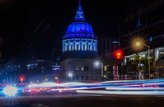 van ness avenue headlights (pbo31) Tags: california bayarea nikon d810 color september fall 2016 boury pbo31 night dark black weekend northerncalifornia sanfrancisco city urban civiccenter cityhall blue dome vannessavenue lightstream motion traffic roadway