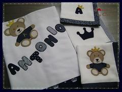 Cueiro e panos de boca (Joanninha by Chris) Tags: handmade feitoamo artesanato enxovalbebe aplicaodetecidos bordado beb baby patchwork panosdeboca cueiro ursorei
