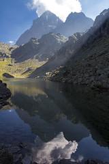 Reflets (Philis.Nat) Tags: italie lac fiorenza montagne altitude t sommets nuages eau reflets