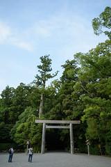 20160917 Ise 1 (BONGURI) Tags:    jp torii  shrinesgate geku  toyoukedaijingu  toyoukeomikami  shrine sintoshrine  isejingu jingu   ise mie nikon df afsnikkor2485mmf3545gedvr