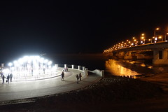 DSC05773 (The Man-Machine) Tags: art installation lamps bridge night embankment