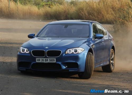 2012-BMW-M5-01