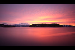 Pink Northern Landscape.... (Minkn) Tags: ocean pink red sea sky mountain snow color nature norway landscape norge colours seascapes sony norwegen filter arne northern per slt troms troms a55 nd110 finnfjord minkn