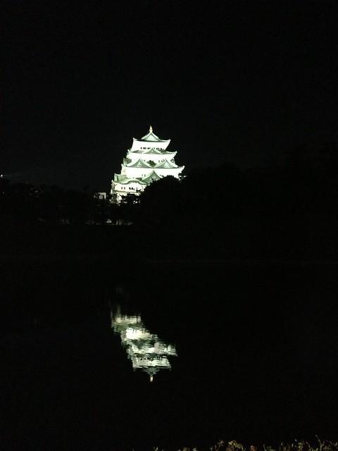 夜の名古屋城の写真