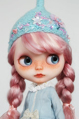 New custom girl (_*catching up*) Tags: pink dress helmet phoebe maybe mohair blythe custom eurotrash tonttu reroot poupeemecanique