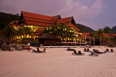 Redang Island - The Resort (zeta_flickr) Tags: beach canon paradise playa resort jungle malaysia isla redang malasia redangisland