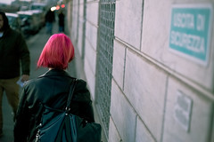 = In and Out = (Umberto Poto) Tags: pink woman lady canon real 5d firenze 18 umberto poto 50omm