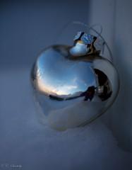 Frozen heart (CecilieSonstebyPhotography) Tags: snow reflection silver frost advent heart decoration jul hjerte julepynt