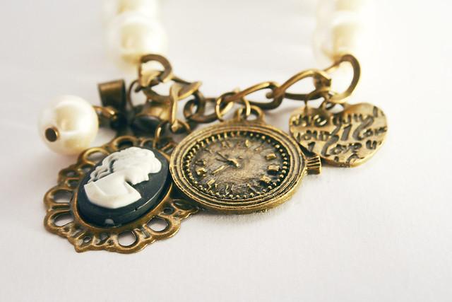 clock vintage heart ivory jewelry pearls retro bracelet coração cameo pulseira relógio shabbychic pérolas jóias camafeu