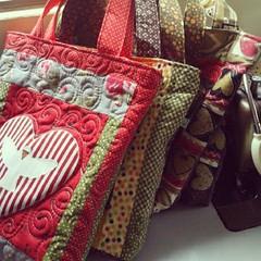 Fornada de Bolsa (Joana Joaninha) Tags: minasgerais patchwork bolsa joanajoaninha flickrandroidapp:filter=none