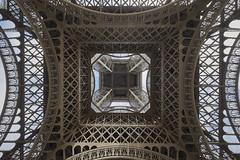 Torre Eiffel 9 (CarlosJ.R) Tags: torreeiffel torre pars eiffel francia