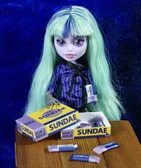 Dsc03909 (GreenWorldMiniatures) Tags: handmade 16 playscale miniature candy greenworldminiatures monsterhigh twyla 13 wishes