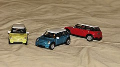SOME MINI MINIS (richie 59) Tags: diecast smallscale yatming inside richie59 summer weekday friday diecastautos diecastautomobiles diecastvehicles roadsignature 2016 smallscalevehicles yatmingdiecast aug2016 aug262016 minicooper mini diecastminicooper america 2010s 2door twodoor 2000scar 172scale 172 cars europeancars britishcars bluecar redcar yellowcar frontend grill headlights miniaturecars collection diecastcollection collectible collectibles miniatures miniature minis sideview coupe