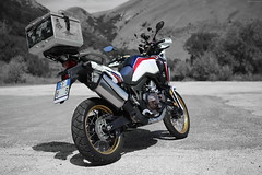 OKIMG_8037 (taymtaym) Tags: honda africa twin crf 1000 l crf1000l tricolor tricolour tri color colour hrc blue white red bianco blu rosso dual purpose off road details dettagli fuori strada dct sequenziale automatico clutch frizione doppia abs