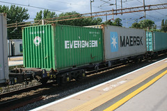 93302 Northampton 040816 (Dan86401) Tags: 93302 tiph93302 93 kfa freightliner fl intermodal modal container flat wagon freight tiph touax rautaruuki northampton wcml 4l90 evergreen maersk