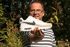 37/52 Airmax Classics B W (Meteorry) Tags: europe nederland netherlands holland paysbas noordholland amsterdam amsterdamsebos dutch park parc forest fort woods me moi 52weeks 52semaines selfportrait autoportrait selfie nike nikeairmaxclassicsbw airmax shoes sneakers trainers baskets skets blackandwhite bw noiretblanc man male guy gabber adidas summer t heat chaleur september 2016 meteorry