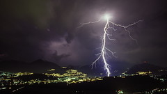 Violently from the Sky (Jerry Riedl) Tags: city storm electric night schweiz switzerland ticino suisse suiza nacht stadt electricity noite lightning svizzera blitz lugano notte citt fulmine ciudade flickraward spiritofphotography flickraward5 ringexcellence flickrsfinestimages1 flickrsfinestimages2