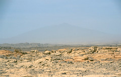 pic tousside, one of the big volcanoes of the tibesti, appears in the mist (michael_jeddah) Tags: sahara volcano desert chad wste tibesti toussid
