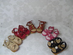 Group Shot Kaye Wiggs-msd (Kim Zentner) Tags: pink shoes doll handmade tessa grapefruit kaye wiggs pinkgrapefruit dollshoes dollstown dollshe iplehouse kayewiggs bjddollshoes nov9a