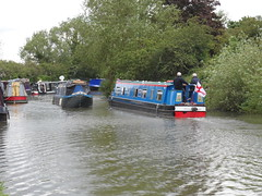 Grand Union Canal - Fenny Stratford (DarloRich2009) Tags: boats boat canal miltonkeynes lock path union bedfordshire junction company kingfisher shipping barge narrowboat mk stratford waterway towpath canalboat grandunioncanal barges wyvern bletchley fenny canalgrand boattow fennystratford grandjunctioncanal boatcanal fennylock boatsnarrow boatnarrow wyvernshipping fennystratfordlock wyvernshippingcompany pathmkmilton lockwyvern companywyvern ltdgrand