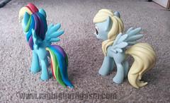 My Little Pony's Hot Topic Exclusive Vinyls Derpy and Raimbow Dash 004 (Raging Nerdgasm) Tags: hot little dash exclusive vinyls topic ponys raging rng raimbow derpy nerdgasm my