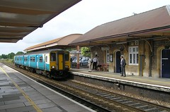 A train approaching the up platform at Yatton bound for Cardiff Central (Tony Ethridge) Tags: somerset towns villages yatton uk england greatbritain railway sprinter