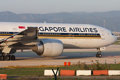 Singapore Airlines Boeing 777-312/ER 9V-SWO cn 34580/708 (Clment Alloing - CAphotography) Tags: barcelona cn canon airplane airport singapore aircraft bcn boeing airlines balcon aeropuerto spotting t1 barcelone 100400 777312er 07l lebl 25r 9vswo 34580708
