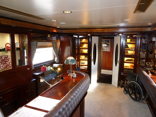 AL Andalus - luxury train in Spain, reception and on-board shop