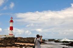 Paixões... pq é Sexta Poser FLICKR Brasil (Ruby Augusto) Tags: sea sky lighthouse clouds mar husband céu nuvens lowtide farol splash marébaixa 1873dc faroldeitapuãba praiadeitapuãba