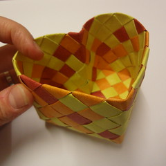 heart box (Dasssa) Tags: origami heart box elephanthide paperstrips dasssa