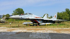 MiG-29 c/n 2960532367 serial 67 Romania Air Force (sirgunho) Tags: muzeul aviatiei bucharest romania aviation museum boekarest romeni romanian air force preserved stored aircraft aeroplane jetfighter helicopter jet plane planes mig29 cn 2960532367 serial 67