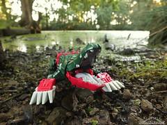 Titans Return - Skullsmasher (Klinikle) Tags: transformers hasbro titans return decepticon headmaster skullsmasher skullcruncher grax swamp alligator crocodile robot